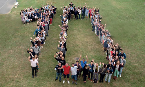 élèves formant un 10